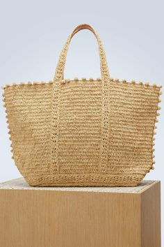Discover the new VANESSA BRUNO Women's collection. Vanessa Bruno, Crochet Tote, Crochet Hooks, Medium Tote, Nude Bags, Tote Bags Online, Clutch Purse, Straw Bag, Wicker