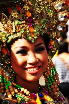 Images of Sinulog Parade 2013 (part 3 of 4) | Don Trivino