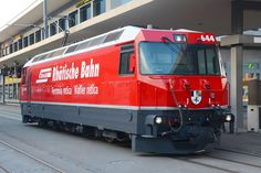 After almost 20 years of service, Rhätische Bahn is refitting its Ge 4/4 III series locomotives (also known as BoBo III). The program comprises of a total mechanical overhaul, new paint, new brakes…