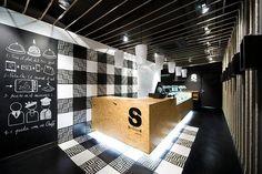 Sensacions restaurant by Denys & von Arend, Sabadell – Spain    カウンターにアルファベットを貼り付けるアイデア、素敵だわ。