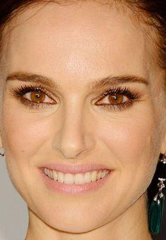 Close-up of Natalie Portman at the 2015 Vanity Fair Oscar party. http://beautyeditor.ca/2015/02/25/oscars-after-parties-2015
