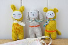 I just stumbled on a really sweet French blog that (I think) is called Tournicote.  I found these little cuties there.  Crochet toy inspiration!