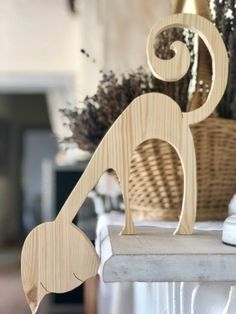 Setting Up Shop – Hand Power Tools – The Woodworking Shop Wood Block Crafts, Diy Wood Projects, Wooden Decor, Wooden Crafts, Woodworking Shop, Woodworking Crafts, Cat Crafts, Diy And Crafts, Bois Intarsia