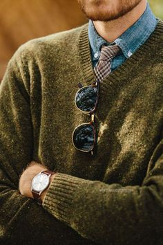 I love the color of the sweater. It goes so well with the chambray shirt and the tie. Throw on a brown leather jacket and you have a complete fall look!