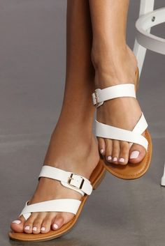 Get amped up fashions in women's shoes, sandals, wedges and boots. Take a walk on the wild side in stiletto high heels, peep toe pumps, or metallic flats. Cute Shoes Flats, Cute Sandals, Shoes Sandals, Fashion Slippers, Fashion Sandals, Leather Slippers, Leather Sandals, Tory Burch Sandals, Crochet Shoes