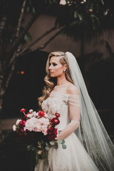 Today on the blog we're meeting some real Galia Lahav brides, and swooning over their gorgeous wedding day looks.