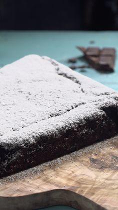 Courgette au chocolat - Dessert and Backing - Cake-Kuchen-Gateau Brownie Recipe Video, Brownie Recipes, Dessert Recipes, Cupcakes Amor, Gateaux Vegan, Vegan Brownie, Baked Yams, Porridge Oats, Homemade Muesli