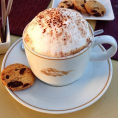 Now that's a cappuccino! Photo courtesy of thejetsetredhead on Instagram.