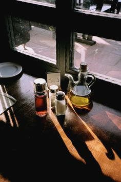 Reminds me of an Irish Tavern at dusk Photography Camera, Light Photography, Love Cafe, American Diner, Cafe Bistro, Shadow Art, Fun Cup, Chiaroscuro, Something Beautiful