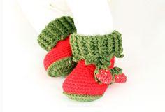 http://de.dawanda.com/product/110098587-pdf-haekelanleitung-babyschuhe-erdbeere