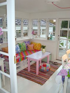 Conservatory How about this for a daycare couch? LOVE the quilt...hmmm need MY FREIND!
