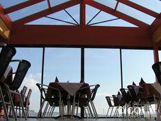 China Restaurant Asia in Korneuburg, Wintergarten mit weiträumig öffenbaren Schiebetüren von ALCO Wintergärten Restaurant, China, Fine Dining, Lawn And Garden, Diner Restaurant, Restaurants, Porcelain, Dining