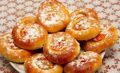 Meruňkové oči z kynutého těsta   NejRecept.cz Honey Cookies, Russian Recipes, Pretzel Bites, Doughnut, Hamburger, Treats, Cooking, Sweet, Polish