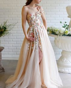 Vestido de festa Charming Prom Dresses Long Lace Embroidery Hand-Beaded Prom Dress A-Line One Shoulder Formal Party Gown Elegant Prom Dresses, A Line Prom Dresses, Prom Party Dresses, Formal Evening Dresses, Flower Dresses, Pretty Dresses, Evening Gowns, Strapless Dress Formal, Wedding Dresses