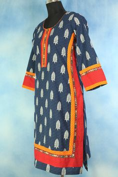 Get trendy with this Blue Block Printed Ethnic Kurti.