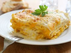 Seriously Simple: Warm up your Oscars party with Butternut Squash Lasagna Easy White Sauce, Slow Cooker Recipes, Cooking Recipes, Cooking Ideas, Healthy Recipes, Butternut Squash Casserole, Large Slow Cooker, Crepes, Street Food