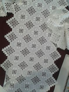 Getting to Know Brazilian Embroidery - Embroidery Patterns Brazilian Embroidery Stitches, Types Of Embroidery, Learn Embroidery, Embroidery Patterns, Hardanger Embroidery, Cross Stitch Embroidery, Crochet Tablecloth, Bargello, Drawn Thread
