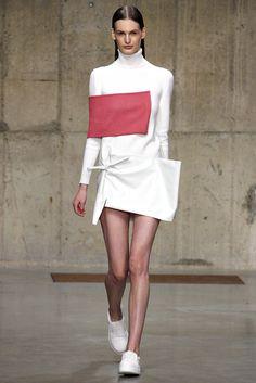 J.W.Anderson Fall 2013 Ready-to-Wear Fashion Show - Carolina Sjostrand