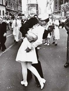 Time Square kiss.
