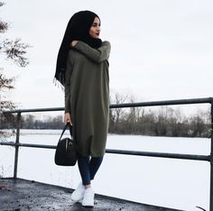 Bags & Handbag Trends : Hijab style and modest outfits Just Trendy Girls Islamic Fashion, Muslim Fashion, Modest Fashion, Mode Outfits, Casual Outfits, Fashion Outfits, Casual Shoes, Style Fashion, Hijab Outfit