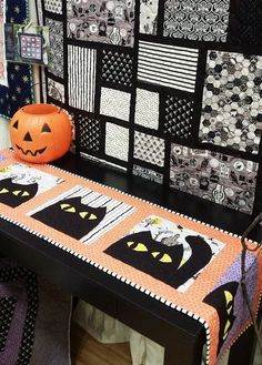 Halloween quilt block and table runner pattern by Deena Rutter | Etsy