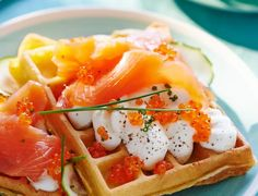 Gaufre moelleuse aux courgettesDans cette gaufre moelleuse aux courgettes, les légumes sont directement intégrés à la pâte. Un flocon de chantilly salée, quelques oeufs de saumon, et c'est le grand luxe dans votre assiette !