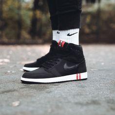 The PSG x Air Jordan 1 dropped today via Nike and several retailers. Did you cop? 📷 by @solebox #psg #airjordan #aj1 #basketball #basketballshoes #grailify #hypebeast #igsneakercommunity #jordan #jordandepot #jordans #jordansdaily #jumpman23 #kicks #kicksonfire #kickstagram #michaeljordan #nicekicks #nike #sneaker #sneakercommunity #sneakerfreaker #sneakerhead #sneakerheads #sneakerlove #sneakernews #streetwear #vintagenike #walklikeus #wdywt Jordan 1 High Og, Jordan Retro, Designer Sneakers Mens, Adidas Shoes, Shoes Sneakers, Jordan Shoes For Men, Mens Trainers, Mens Fashion Shoes, Nike Air