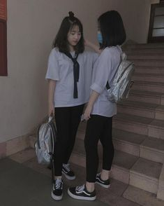 Save = Follow Hạ Vũ Bff Girls, Girls In Love, Cute Girls, Swag Outfits, Girl Outfits, Summer Outfits, Ulzzang Couple, Ulzzang Girl, Teen Fashion