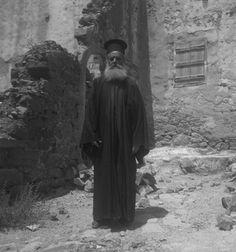 René Zuber et Roger Leenhardt - EN CRETE SANS LES DIEUX,1934. Crete, French Photographers, Goth, Style, Fashion, Gothic, Swag, Moda, Fashion Styles