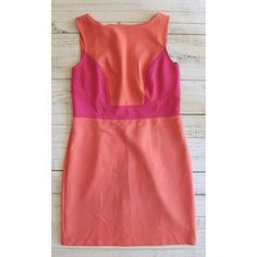 Loft coral and pink dress Lightly worn Gold zipper in back Polyester, rayon, spandex Flat measurements: Waist 16.5 inches Armpit to armpit 19 inches Shoulder to hem 36 inches LOFT Dresses