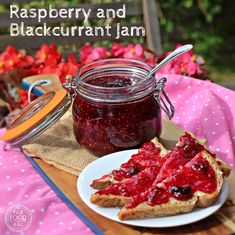 Raspberry and Blackcurrant Jam - simply delicious! Fab Food 4 All Jelly Recipes, Jam Recipes, Canning Recipes, Dessert Recipes, Blackcurrant Jam Recipe, Currant Jelly, Peach Jam, Jam And Jelly, Pectin Recipe