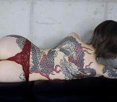 Back Piece Tattoo, Back Tattoos, Hot Tattoos, Body Art Tattoos, Girl Tattoos, Tatoos, Dragon Tattoo For Women, Dragon Tattoo Designs, Dragon Tattoo Back