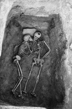 Persia, Hasanlu    6000 year old kiss
