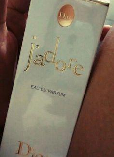 O primeiro a gente nunca esquece... #parfum #jadore #Dior