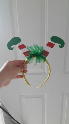 Diy Christmas Hats, Christmas Tree Costume, Christmas Photo Booth, Christmas Hair Bows, Grinch Christmas, Felt Christmas, Christmas Time, Christmas Decorations, Fabric Flower Headbands