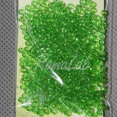 6 grammi di rocailles 10-0 da 2,2 mm di colore verde chiaro. Price €0,95