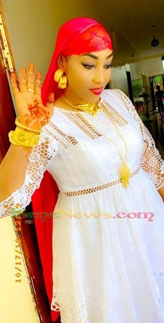 Long African Dresses, Latest African Fashion Dresses, African Traditional Wedding Dress, Maxi Gowns, Africa Fashion, African Attire, Wedding Wear, Model Photos, Lace Dress