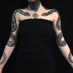 The most beautiful picture for Serpent Tattoo Braccio that will suit your pleasure . - The most beautiful picture for Serpent Tattoo Braccio that suits your pleasure …. Finger Tattoos, Body Art Tattoos, Sleeve Tattoos, Tatoos, Diy Tattoo, Band Tattoo, Tattoo Ink, Piercings, Pietro Sedda