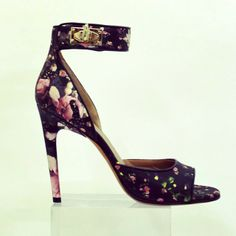 Printed pumps - a major #resort14 and into spring trend. Givenchy heels #NewatHolts $995