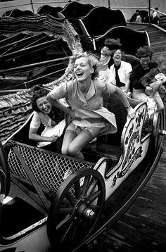 """Tomorrow, August celebrates that classic amusement park thriller, the roller coaster. To honor National Roller Coaster Day, we're looking back with 10 chic vintage photos, from the early """"Montagnes Russes"""" (Russian Mountains) to Grace Kelly's Coney Is Vintage Pictures, Old Pictures, Old Photos, Funny Pictures, Vintage Abbildungen, Vintage Beauty, Vintage Black, Black White Photos, Black And White Photography"""