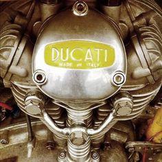 Italian engine Ducati Desmo, Moto Ducati, Ducati Motorcycles, Vintage Bikes, Vintage Motorcycles, Custom Motorcycles, Custom Bikes, Motorcycle Engine, Motorcycle Design