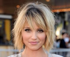 If I could look this good with short hair...