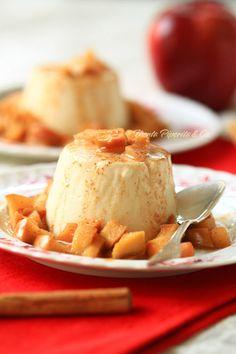 Pannacotta alla cannella con mele caramellate
