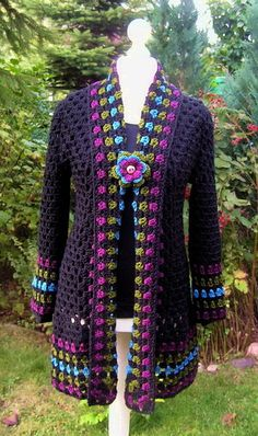 This Pin was discovered by Iza Gilet Crochet, Crochet Shirt, Crochet Jacket, Crochet Cardigan, Crochet Granny, Free Crochet, Knit Crochet, Crochet Designs, Crochet Patterns
