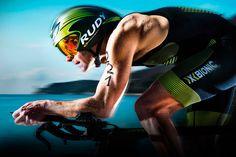 Ironman и воля к победе https://mensby.com/sport/muscles/4700-ironman-will-to-win  Ironman - это соревнование по триатлону, которое состоит из трех этапов без каких-либо перерывов: заплыв на 3,86 км, заезд на велосипеде на 180,25 км и забег на 42,19 км. История одного из участников.