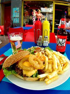 Le Fifty's American Diner au Havre: un american corner au havre. Onions Burger