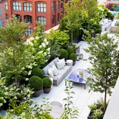 Wonderful Rooftop Garden Design For Home That Enchanting - SnapShot Magazine. Wonderful Rooftop Garden Design For Home That Enchanting Rooftop Terrace Design, Patio Design, Rooftop Nyc, Urban Garden Design, Terrace Garden Design, House Design, Garden Oasis, Balcony Garden, Sky Garden