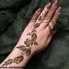 50 Al Ain Mehndi Design (Henna Design) - Ottobre 2019 - Arab Mehndi Designs - Henna Italia Henna Flower Designs, Modern Henna Designs, Latest Henna Designs, Finger Henna Designs, Arabic Henna Designs, Stylish Mehndi Designs, Mehndi Design Photos, Mehndi Designs For Fingers, Wedding Mehndi Designs