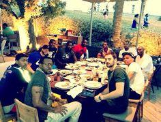 El Dream Team aprovecha su gira en Barcelona para irse de cena y unir al grupo