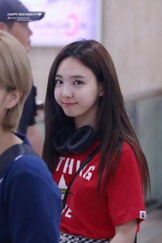 Kpop Girl Groups, Korean Girl Groups, Kpop Girls, Cool Girl, My Girl, Twice Album, Nayeon Twice, Im Nayeon, Dahyun